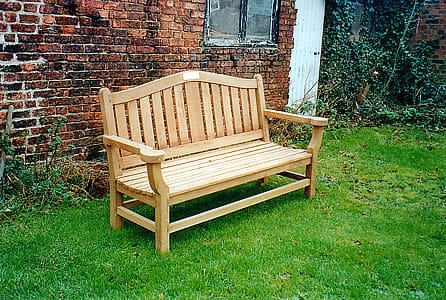 Memorial bench in oak