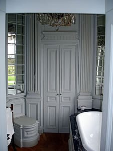 Cabinet bathroom in painted tulip wood